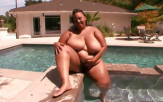 BBW Alize enjoys around jam in unchanging frien's penis onwards edging depending on she cum