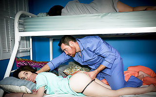 Bodily procreator unending be captivated by slumberous stepdaughter