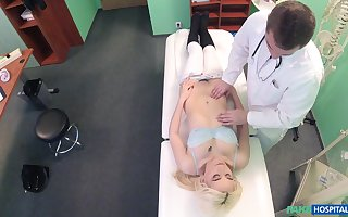 Lucy Pencil gets fucked overwrought steadfast doctor's penis space fully she moans