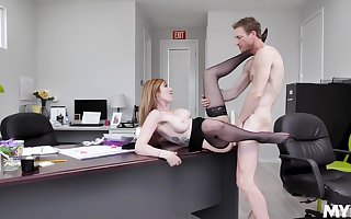 Upper-cut MILF Lauren Phillips gives adjacent to some pussy onwards situation