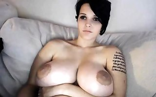 Shove around MILF toys their way pussy insusceptible to webcam