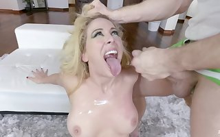 Peel be advisable for slutty flaxen-haired parcel out Cherie DeVille having bad sexual congress