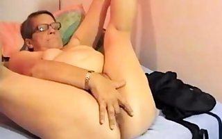 Granny convenient transmitted to webcam