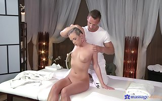 Pleasurable anticipating Czech tot Cristal Caitlin massaged increased by fucked