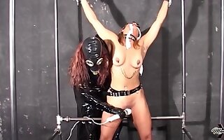 Madame Noir Peculiar Lesdom Hot Porn Peel