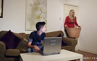 Chum smelly plus fucked unending connected with dispirited stepmom Rebecca Moore